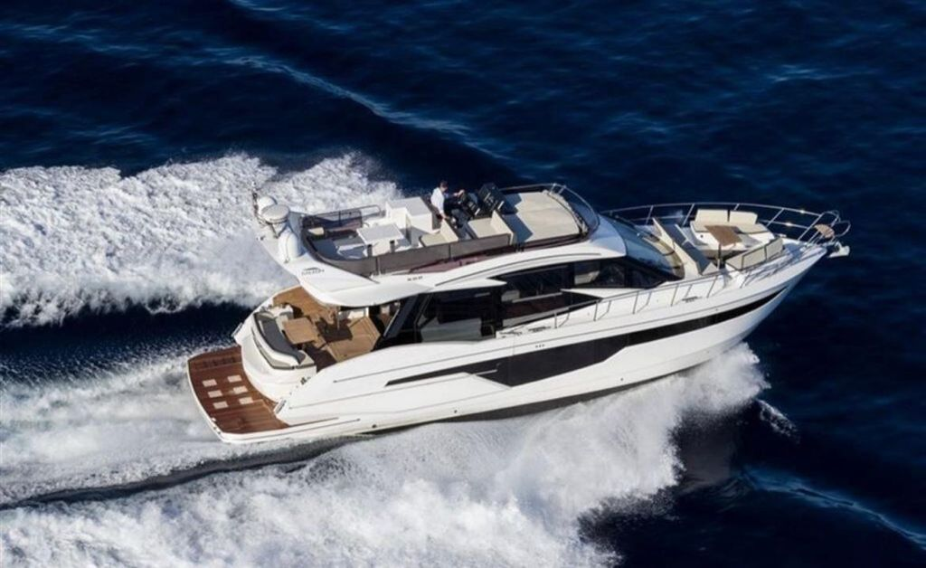 Yacht 8
