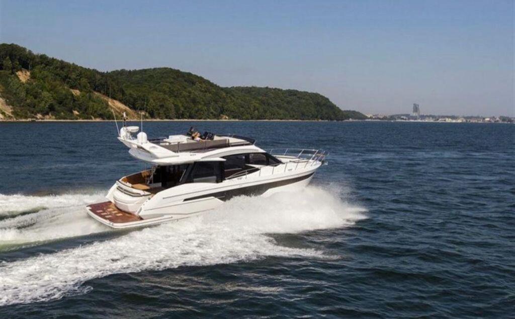 Yacht 15